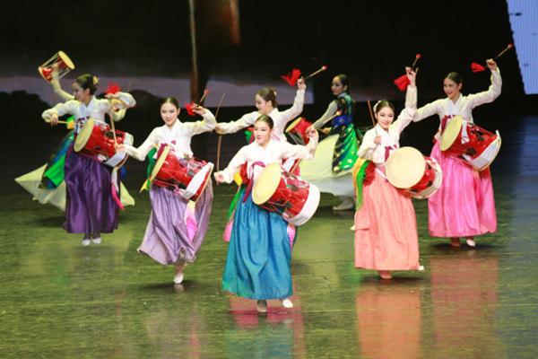 在敦煌遇见韩国文化 ——韩国传统舞蹈、音乐剧、跆拳道惊艳丝路